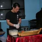 Performance di sushi acrobatico durante la presentazione