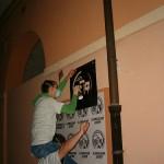 il gruppo di artisti MEAT mette in atto una performance a Prato, su un partito immaginario presente in Sushi Bar Sarajevo